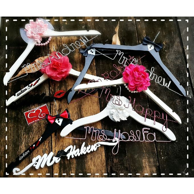 Wedding Hanger Name by Sweetlovecollection - 041
