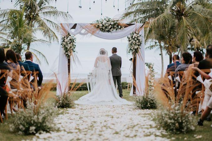 White & Green  Romantic Dinner Decoration by Bali Izatta Wedding Planner & Wedding Florist Decorator - 003