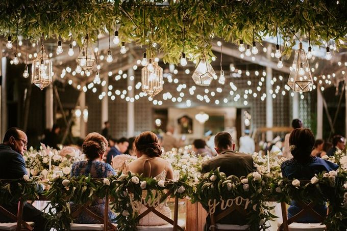 White & Green  Romantic Dinner Decoration by Bali Izatta Wedding Planner & Wedding Florist Decorator - 008