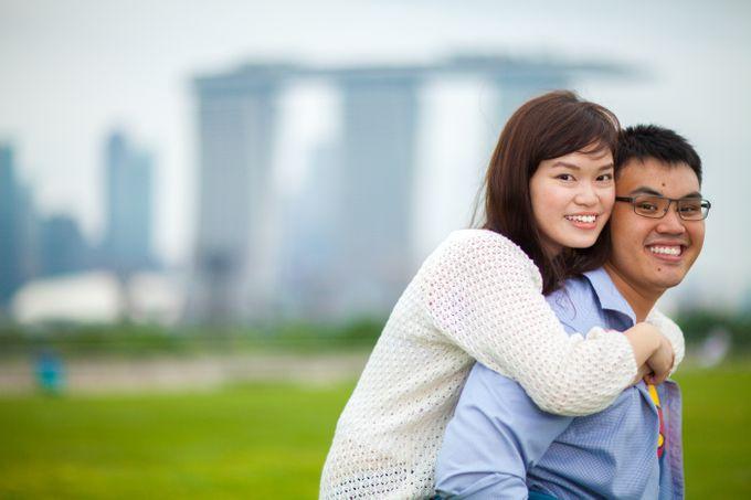 Couple Shoot At Marina Barrage by Gyver Chang Photography - 001