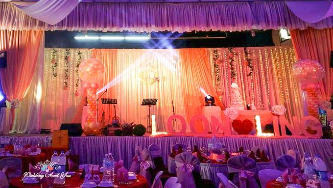 Stage Backdrop Design by Wedding And You - 014