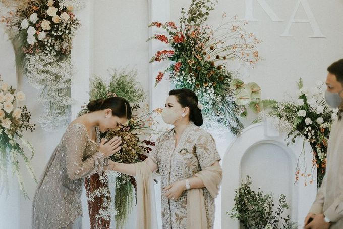 Rachel Theresia & Audy Pratama Engagement Day by Medina Catering - 006