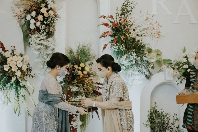 Rachel Theresia & Audy Pratama Engagement Day by Medina Catering - 007