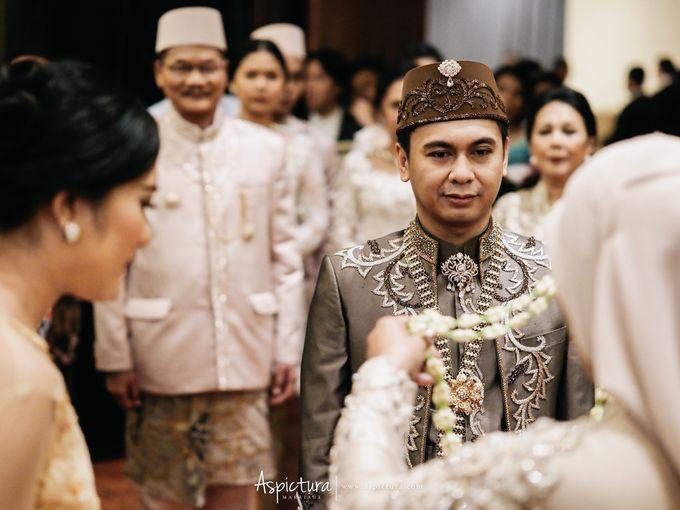 Wedding Day Raditya Dika & Anissa Aziza by Wong Hang Distinguished Tailor - 004