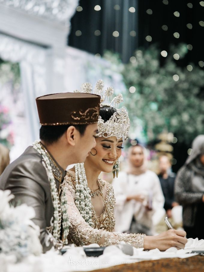 Wedding Day Raditya Dika & Anissa Aziza by Wong Hang Distinguished Tailor - 007
