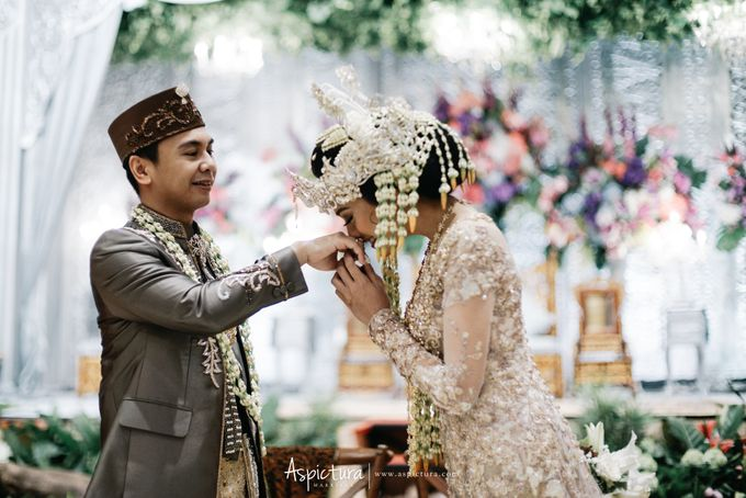 Wedding Day Raditya Dika & Anissa Aziza by Wong Hang Distinguished Tailor - 012