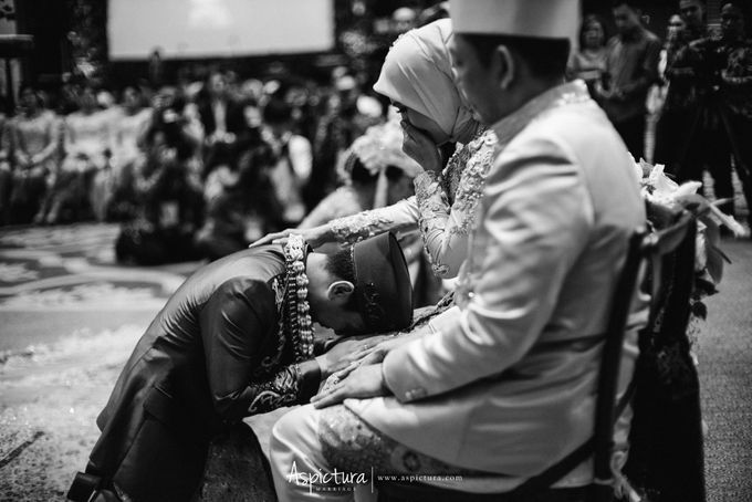 Wedding Day Raditya Dika & Anissa Aziza by Wong Hang Distinguished Tailor - 013