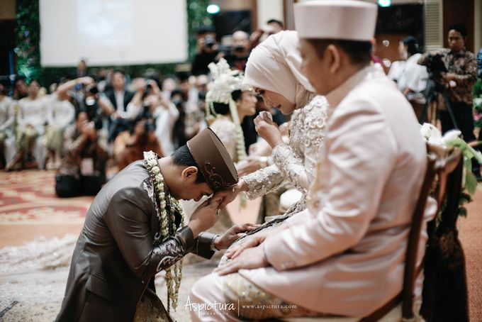 Wedding Day Raditya Dika & Anissa Aziza by Wong Hang Distinguished Tailor - 014