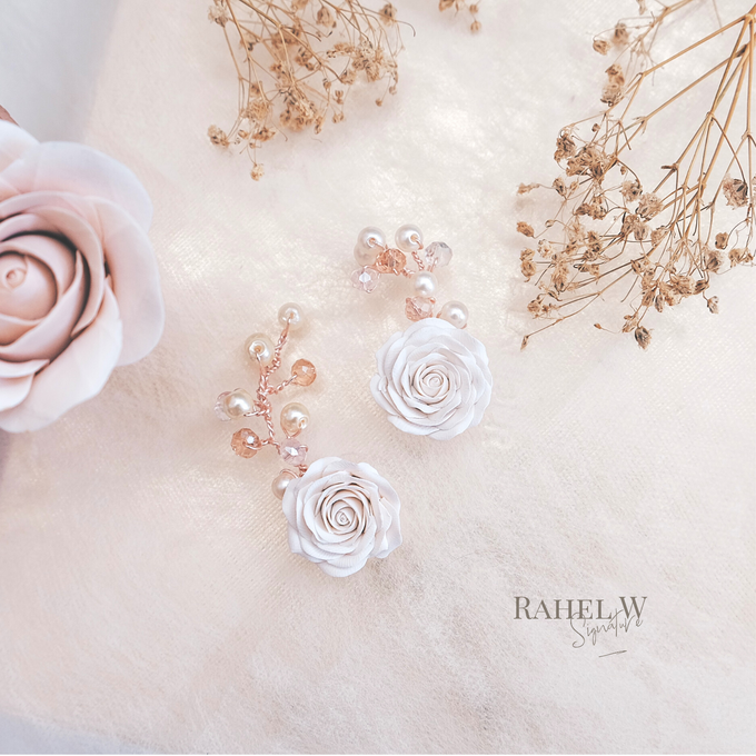 Wearring White by Rahel W Signature - 019