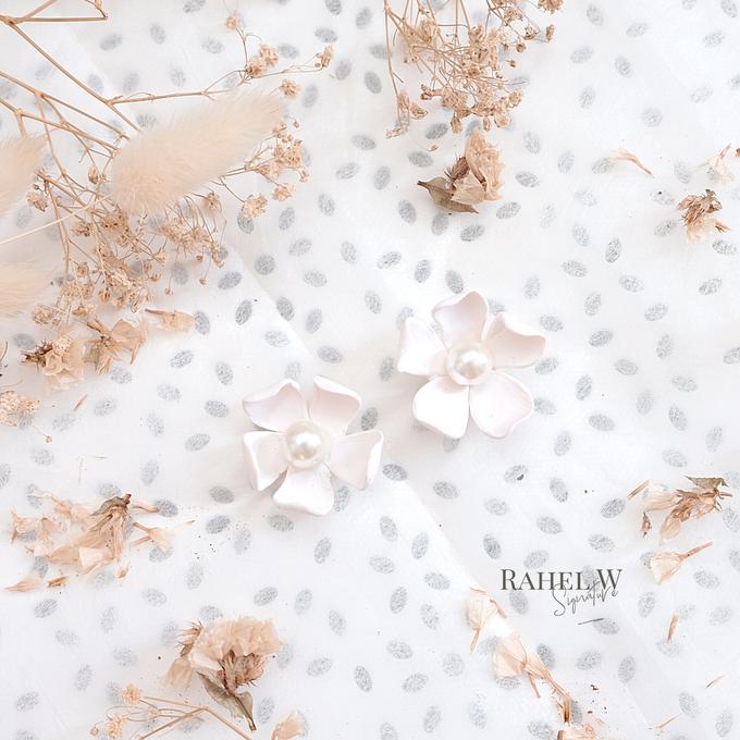 Bridemaid Earrings by Rahel W Signature - 017