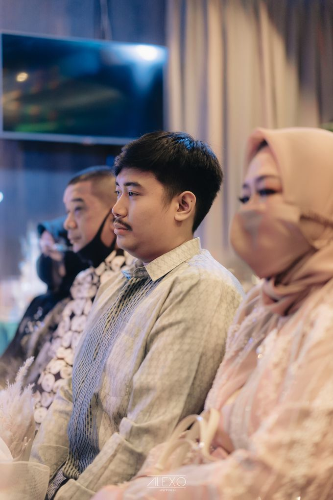 Engagement of Bella & Hendraji by Alexo Pictures - 024