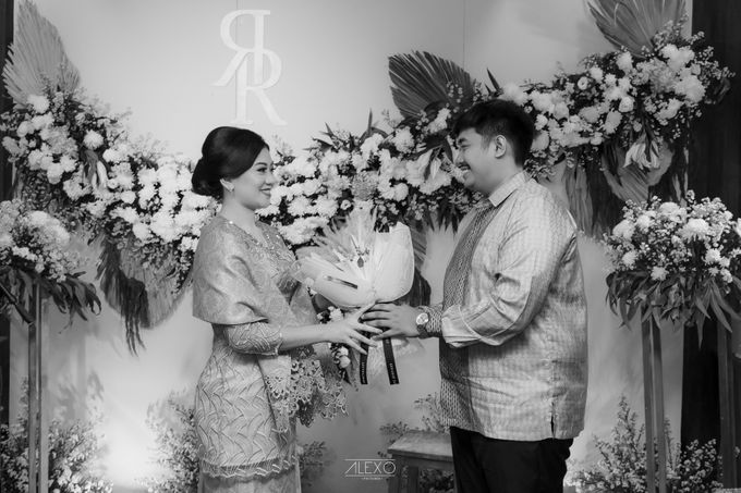 Engagement of Bella & Hendraji by Alexo Pictures - 027