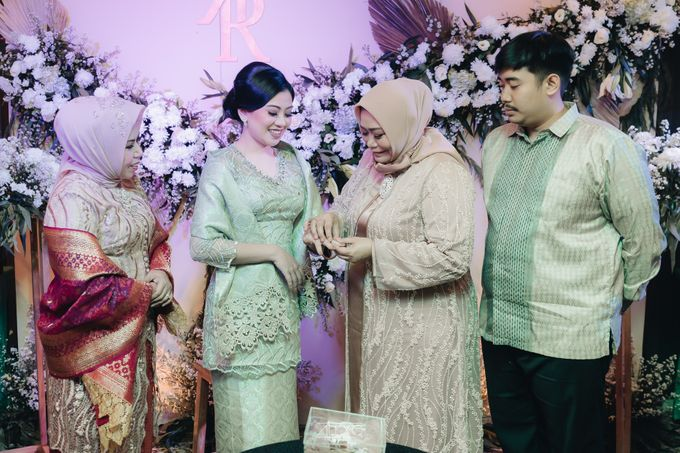 Engagement of Bella & Hendraji by Alexo Pictures - 028
