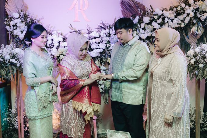 Engagement of Bella & Hendraji by Alexo Pictures - 029
