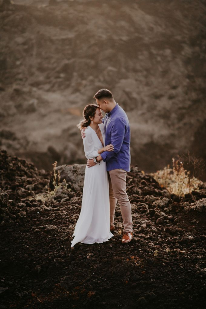 Jennifer and Andrew Sunrise Session in Bali by PadiPhotography - 040