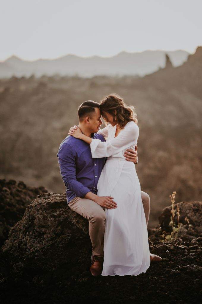 Jennifer and Andrew Sunrise Session in Bali by Endrye MakeupArt - 041