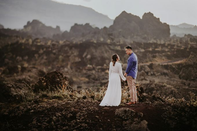 Jennifer and Andrew Sunrise Session in Bali by PadiPhotography - 030