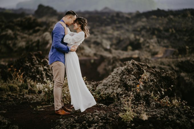 Jennifer and Andrew Sunrise Session in Bali by Endrye MakeupArt - 032