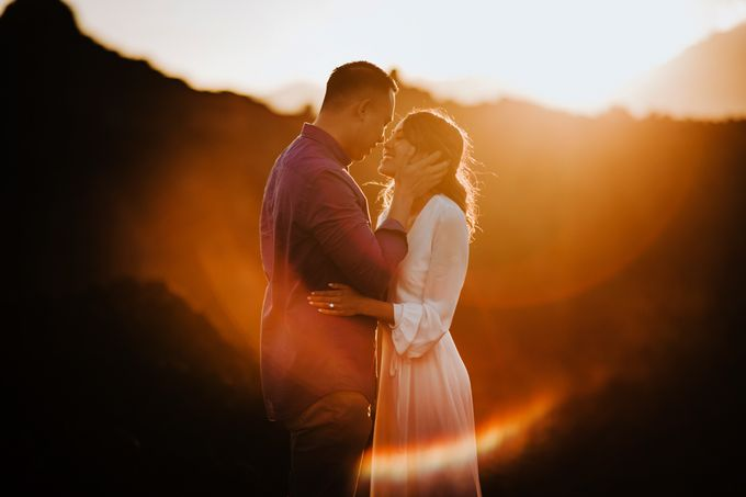 Jennifer and Andrew Sunrise Session in Bali by Endrye MakeupArt - 005