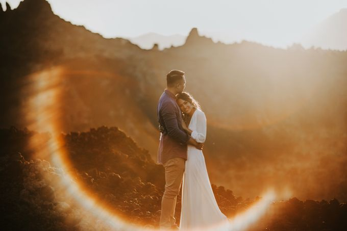 Jennifer and Andrew Sunrise Session in Bali by PadiPhotography - 004