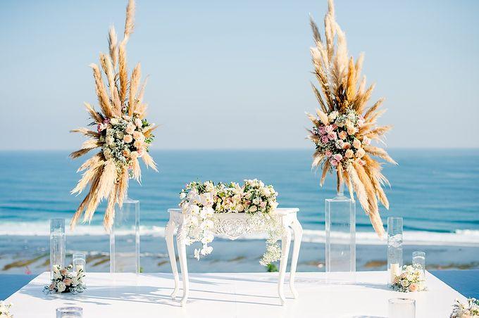 Elegant Rose Gold & Blush by Bali Izatta Wedding Planner & Wedding Florist Decorator - 007