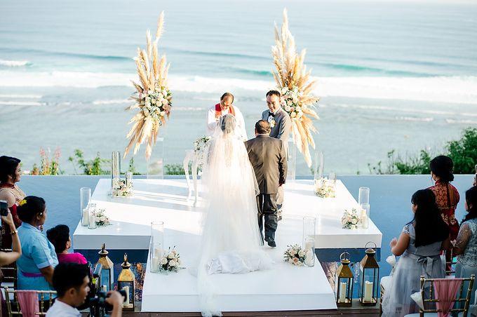 Elegant Rose Gold & Blush by Bali Izatta Wedding Planner & Wedding Florist Decorator - 009