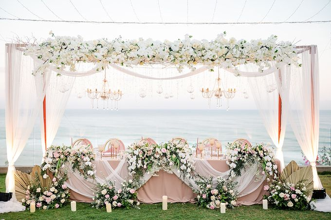 Elegant Rose Gold & Blush by Bali Izatta Wedding Planner & Wedding Florist Decorator - 016