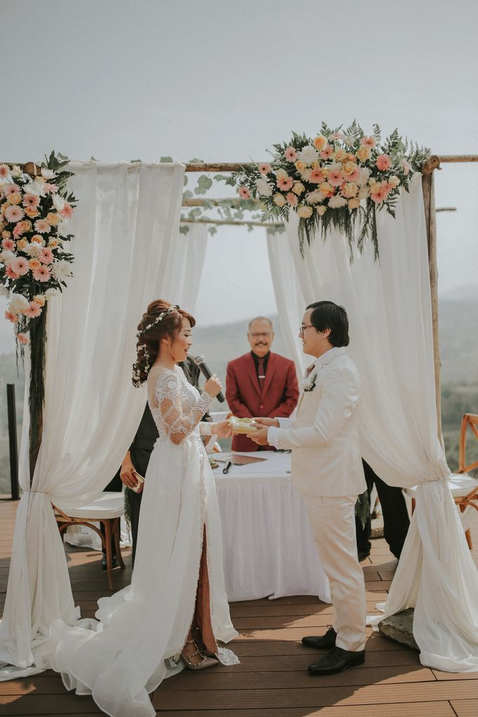 Rossy & Steven by Royal Tulip Gunung Geulis Resort & Golf - 015