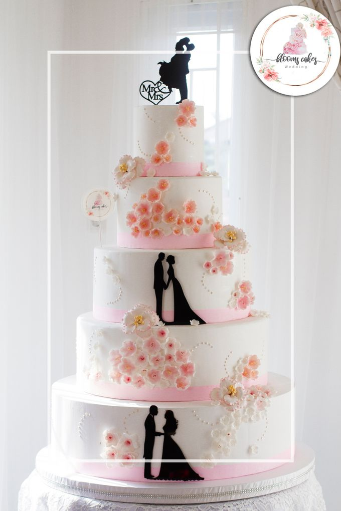 Custom Wedding Cake by Bloomscake Wedding - 030