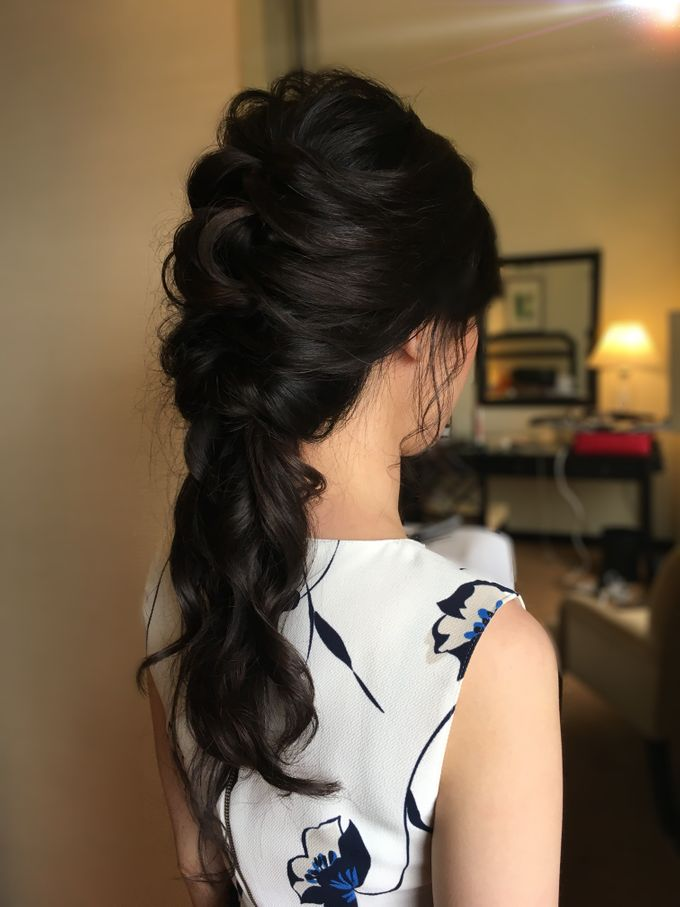 Romantic Floral Rustic Half up Half Down Hairstyles by Sylvia Koh Makeup and Hairstyling - 014