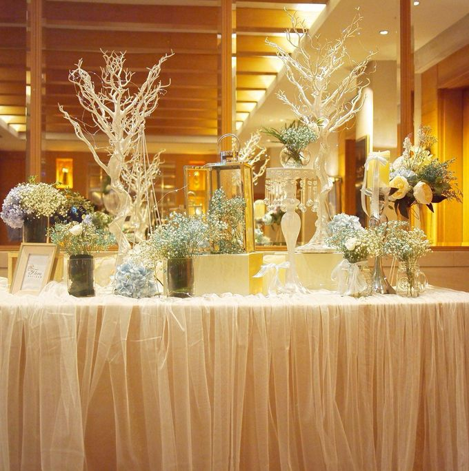 A Dreamy Cinderella Wedding at Grand Copthorne Hotel by Manna Pot Catering - 003
