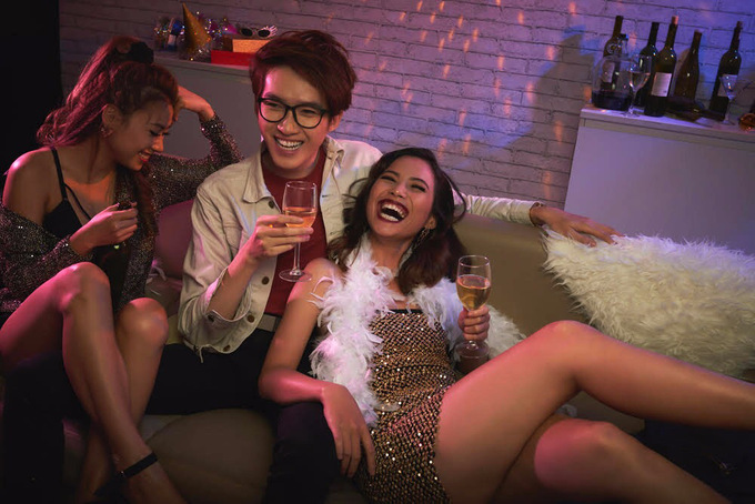 Pre-wedding bachelorette party by Red & White Moments - 008