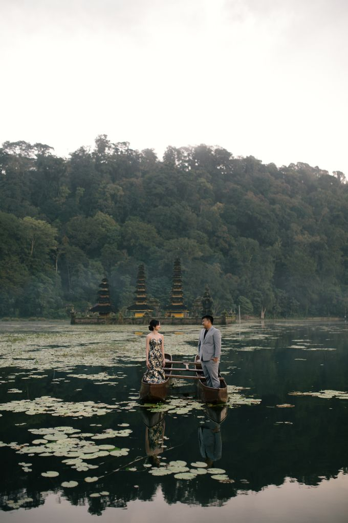 Classic and Dreamlike Prewedding of Mitha & Reiner in Bali by fire, wood & earth - 001