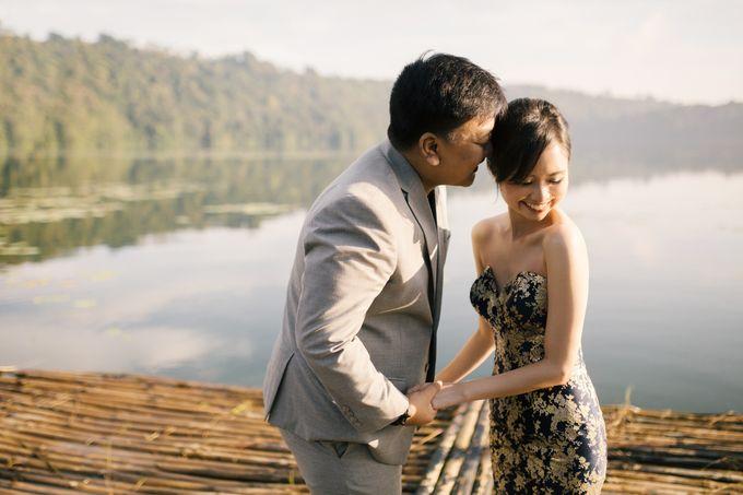 Classic and Dreamlike Prewedding of Mitha & Reiner in Bali by fire, wood & earth - 005