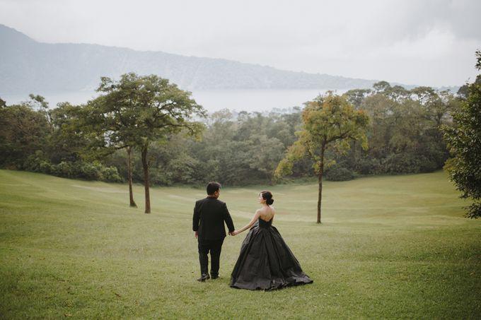 Classic and Dreamlike Prewedding of Mitha & Reiner in Bali by fire, wood & earth - 014