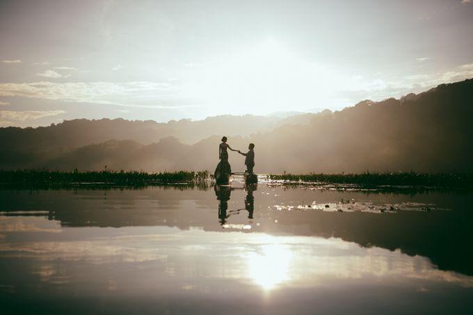 Classic and Dreamlike Prewedding of Mitha & Reiner in Bali by fire, wood & earth - 003