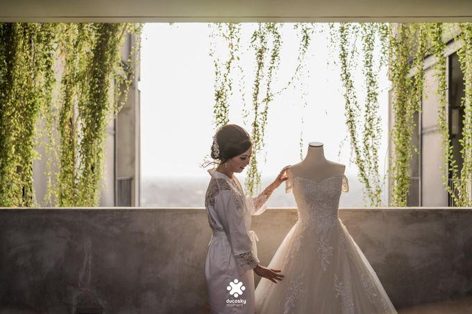 Rendy Evelyn Wedding | Bride's Morning Preparation by Ducosky - 011