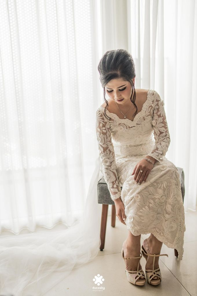 Rendy Evelyn Wedding | Bride's Morning Preparation by Ducosky - 021