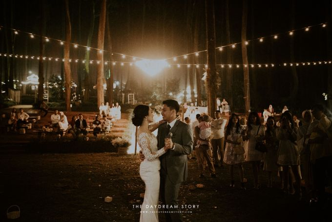 Sastri & Luthfan Wedding At Orchid Forest Lembang by Josh & Friends Entertainment - 011