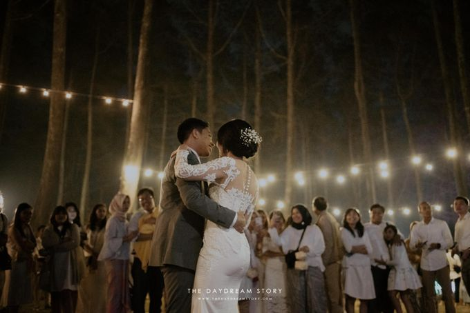 Sastri & Luthfan Wedding At Orchid Forest Lembang by Josh & Friends Entertainment - 014