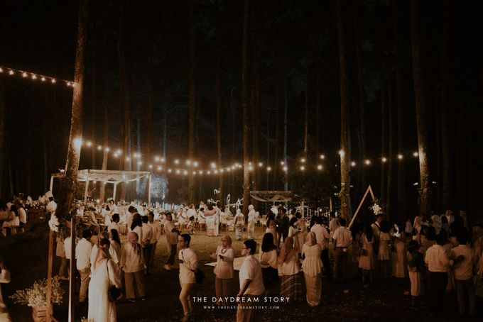 Sastri & Luthfan Wedding At Orchid Forest Lembang by Josh & Friends Entertainment - 015