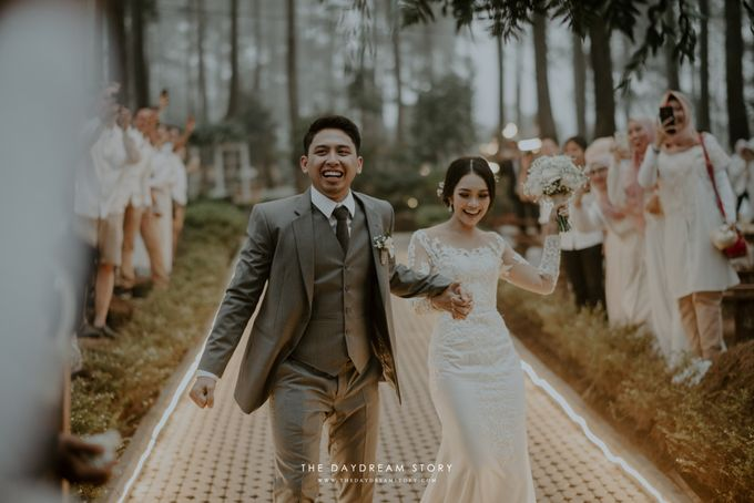 Sastri & Luthfan Wedding At Orchid Forest Lembang by Josh & Friends Entertainment - 010