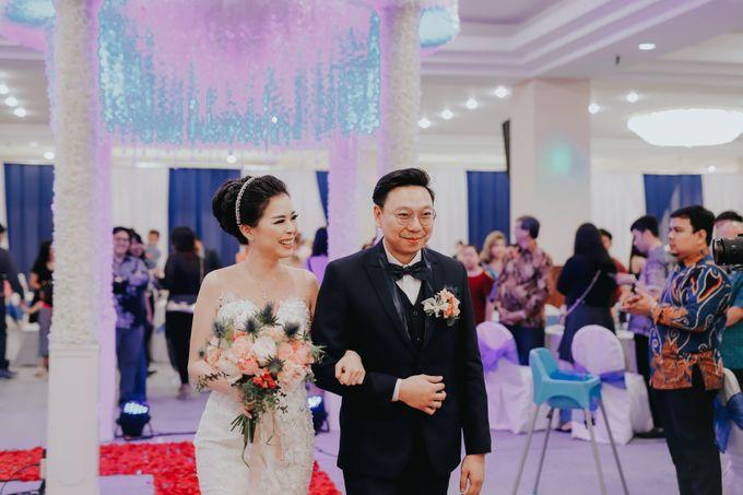 Receptions of Hendry & Kartika by Kayika Wedding Organizer - 001
