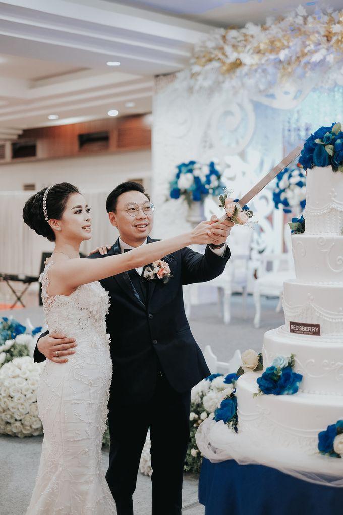 Receptions of Hendry & Kartika by Kayika Wedding Organizer - 006