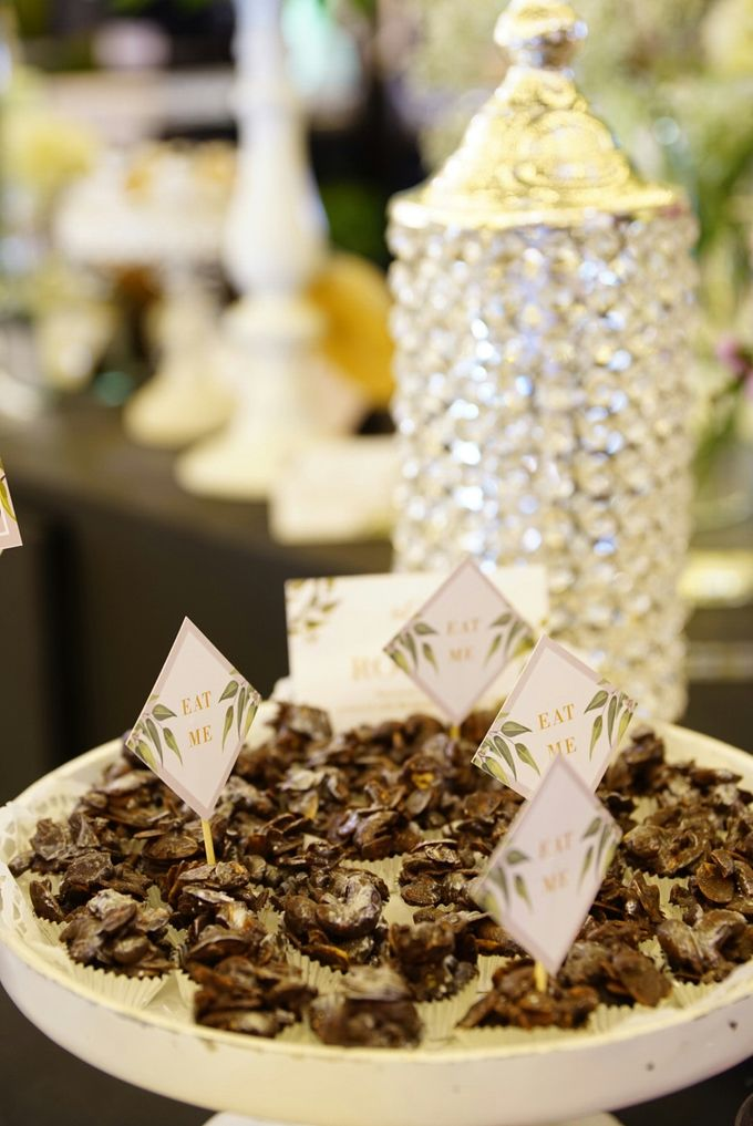 Wedding of Revie & Widarti - Jardin Sweet Corner by Questo La Casa Pastry - 005