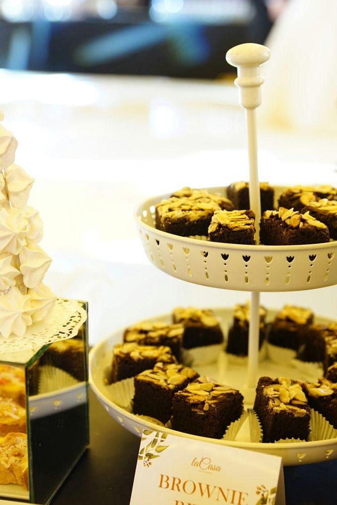 Wedding of Revie & Widarti - Jardin Sweet Corner by Questo La Casa Pastry - 019