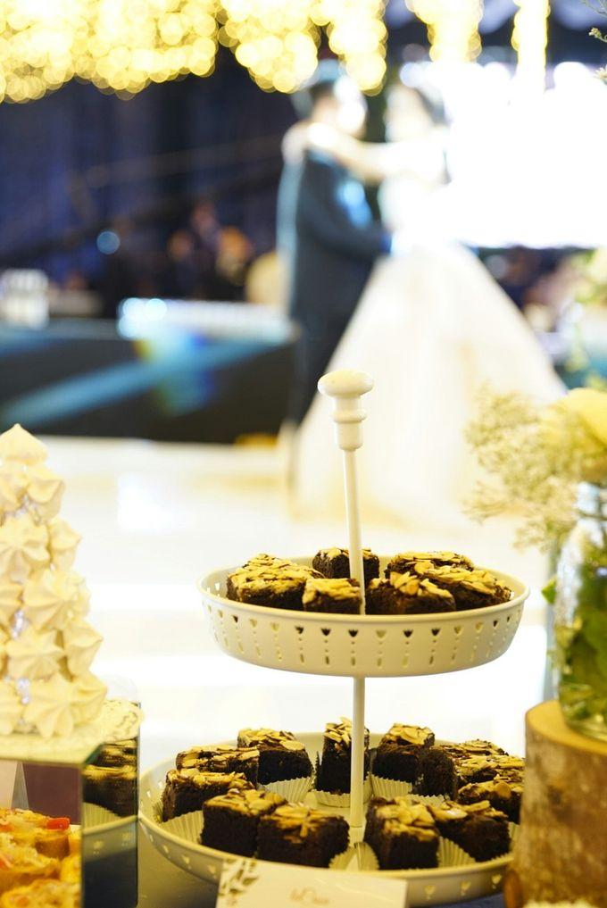 Wedding of Revie & Widarti - Jardin Sweet Corner by Questo La Casa Pastry - 021