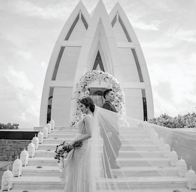 Huvey & Stella by Rhea Florist Bali - 001