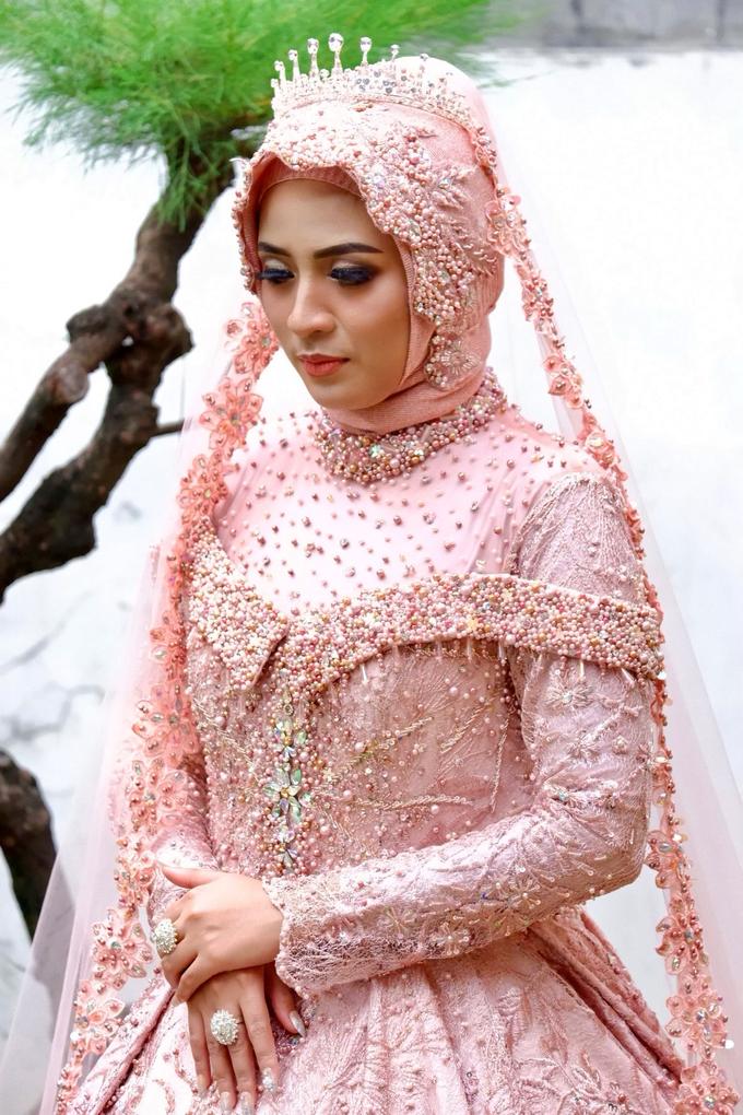 Hijab Modern Wedding By Riaadriasmua Bridestory Com
