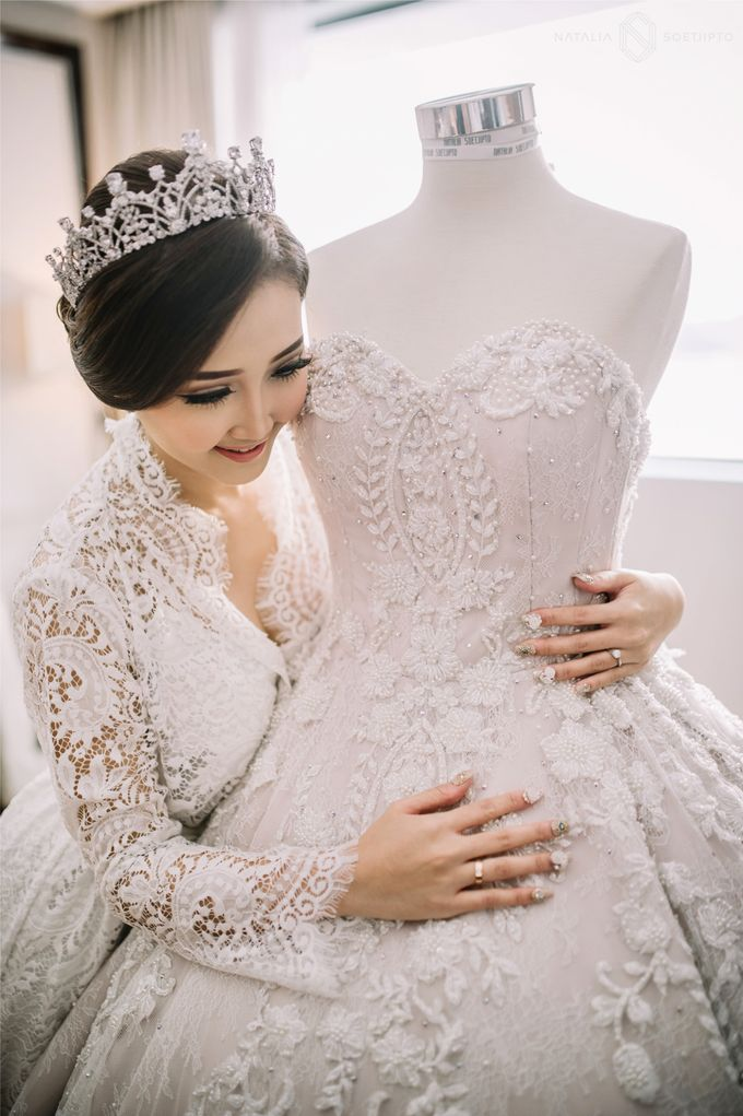 THE WEDDING OF RIKA & TOMMY by natalia soetjipto - 004